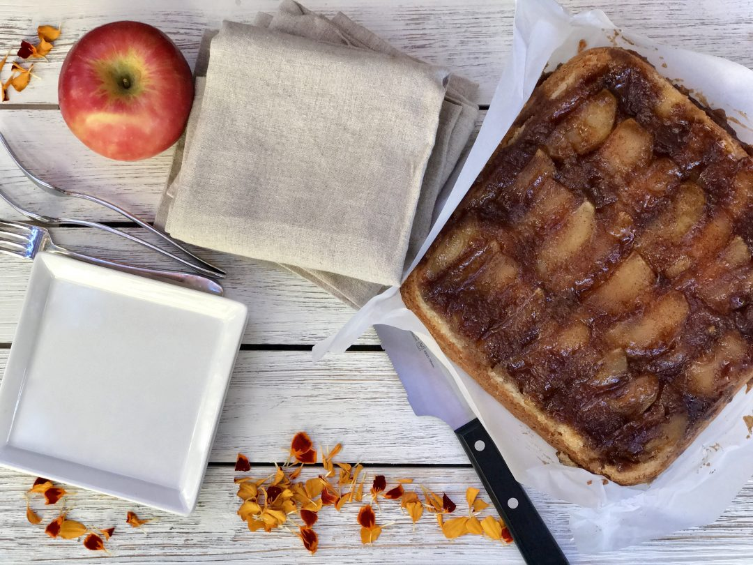 A Simple Caramel Apple Upside-Down Cake That Everyone Will love