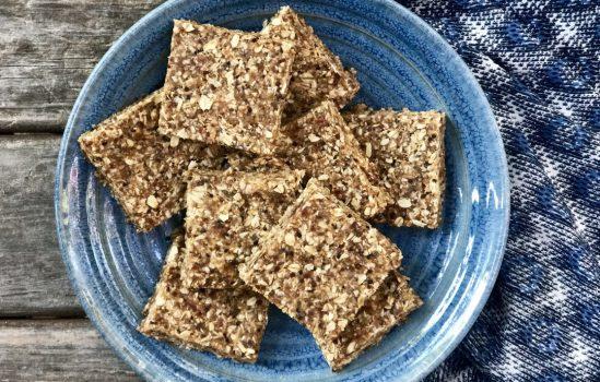Easy Quinoa And Oat No-Bake Breakfast Power Bars