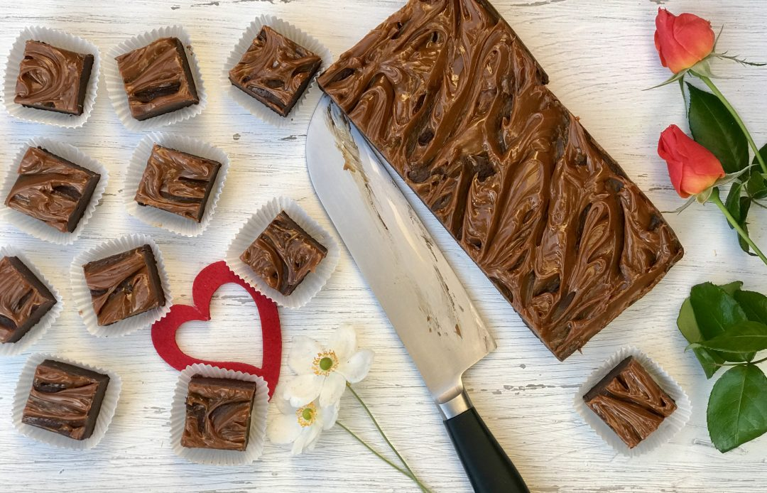 Easy Dulce De Leche Fudge That's Perfect For Valentine's Day