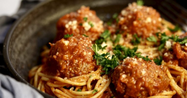 Classic Meatballs With Tomato Sauce, An Essential Recipe