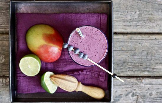 Blueberry-Mango Antioxidant Smoothie
