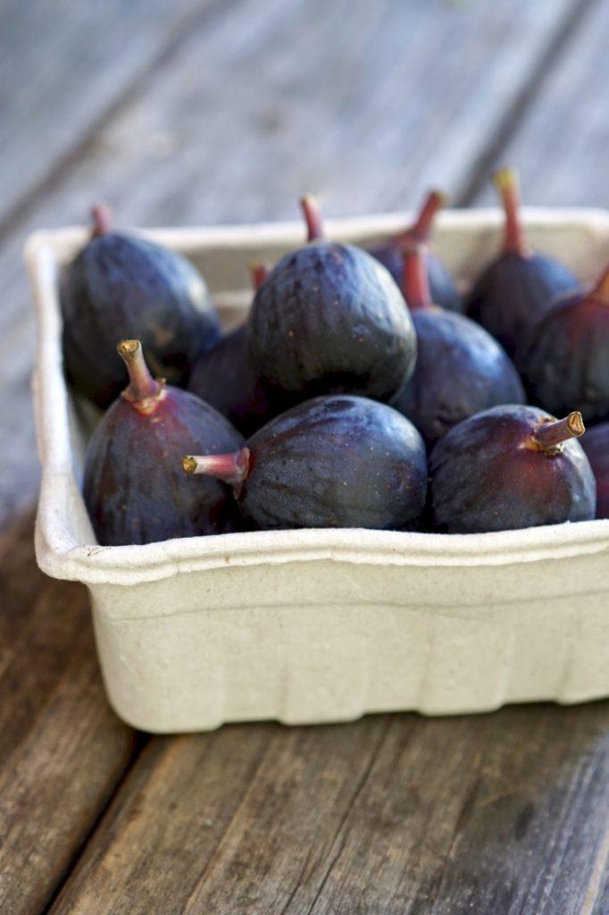 grilled fig and arugula salad