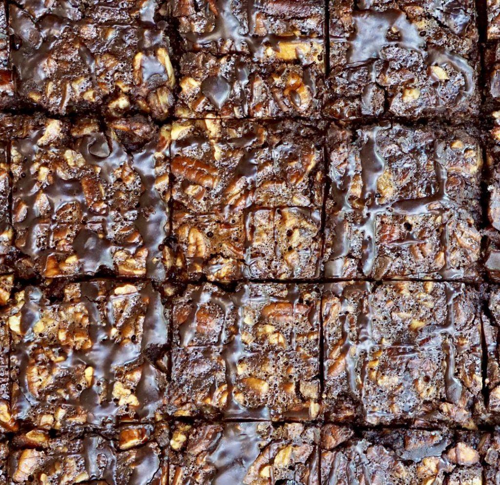 bourbon chocolate-pecan slab bars