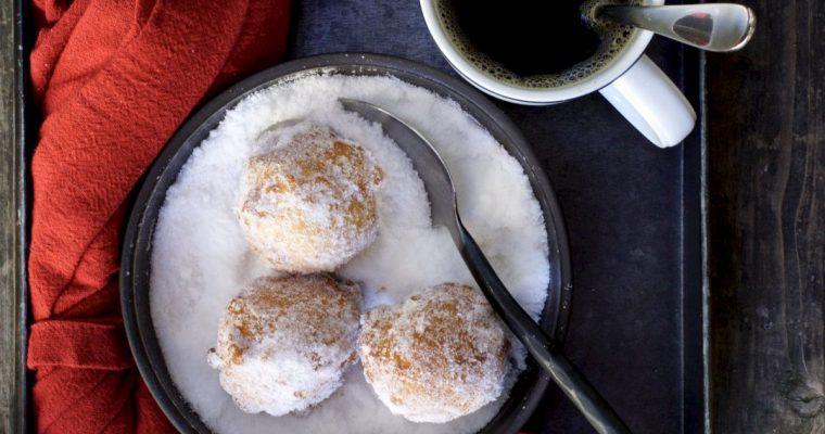 Malasadas (Hawaiian Donuts)