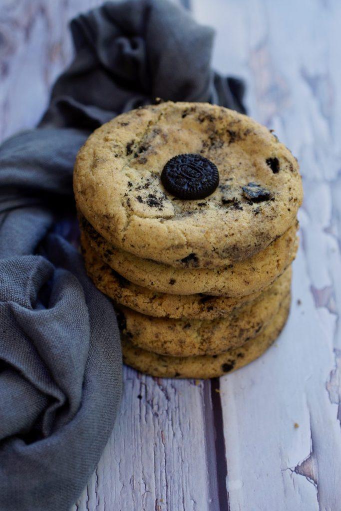 cookies n' cream oreo cookies