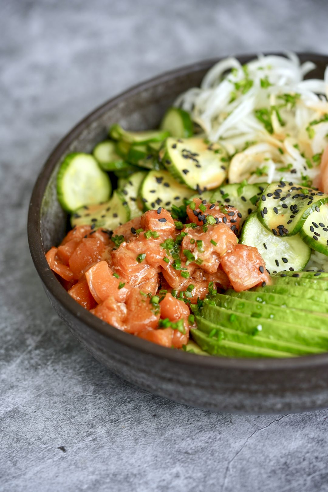 spicy salmon roll sushi bowl