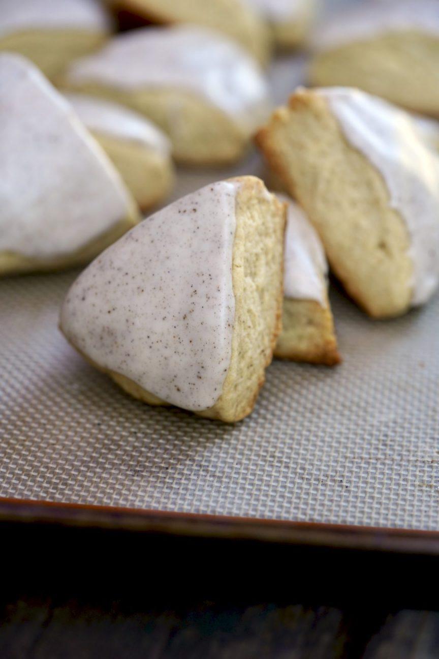 vanilla bean scones